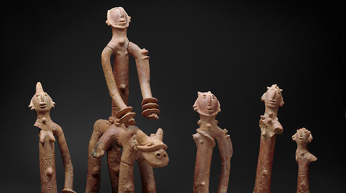 "<a href=""https://ticketing.agakhanmuseum.org/single/EventDetail.aspx?p=14747""><b>Insight Tour: Saharan Pathways of Islamic Art</b></a>"